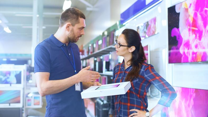 Para ser um bom profissional na área de vendas é preciso estudo e atualização.